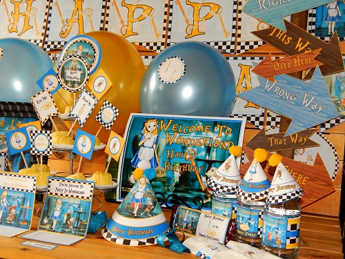 Alice in wonderland party supplies diy printable for Alice in wonderland birthday decoration ideas